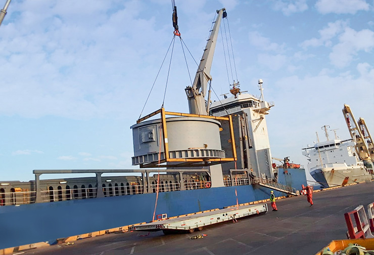 General cargo being received at port