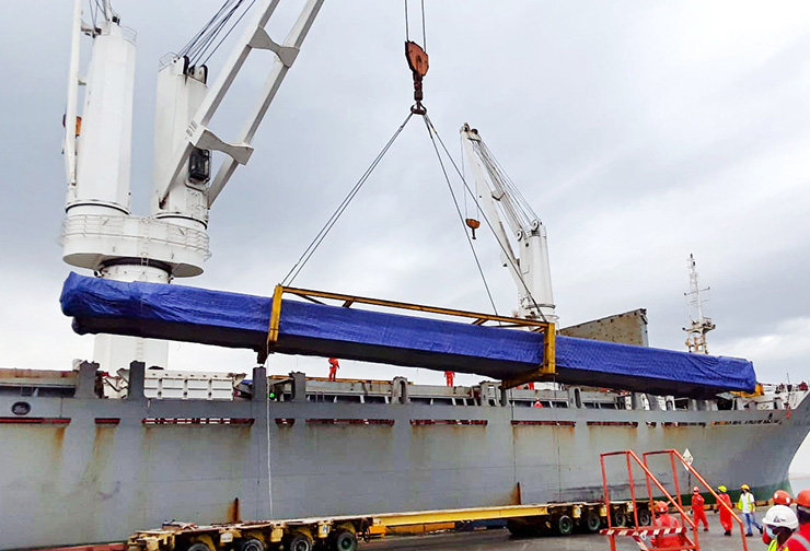 32 mtrs long pcs discharged from vessel