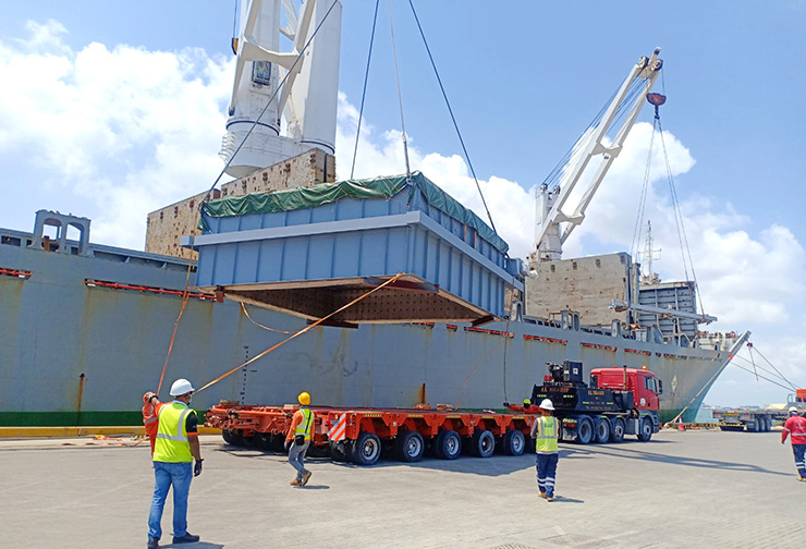 8 Mtrs wide units received from Vessel